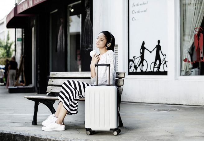 "Xiaomi Trolley 90 Points Suitcase 20"" White Moon Light"