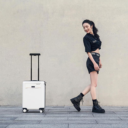 COWAROBOT 20inch AI Driverless Suitcase White