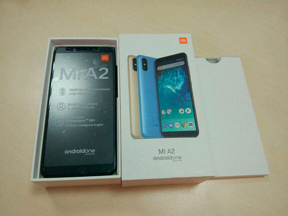 Mi A2 package contents