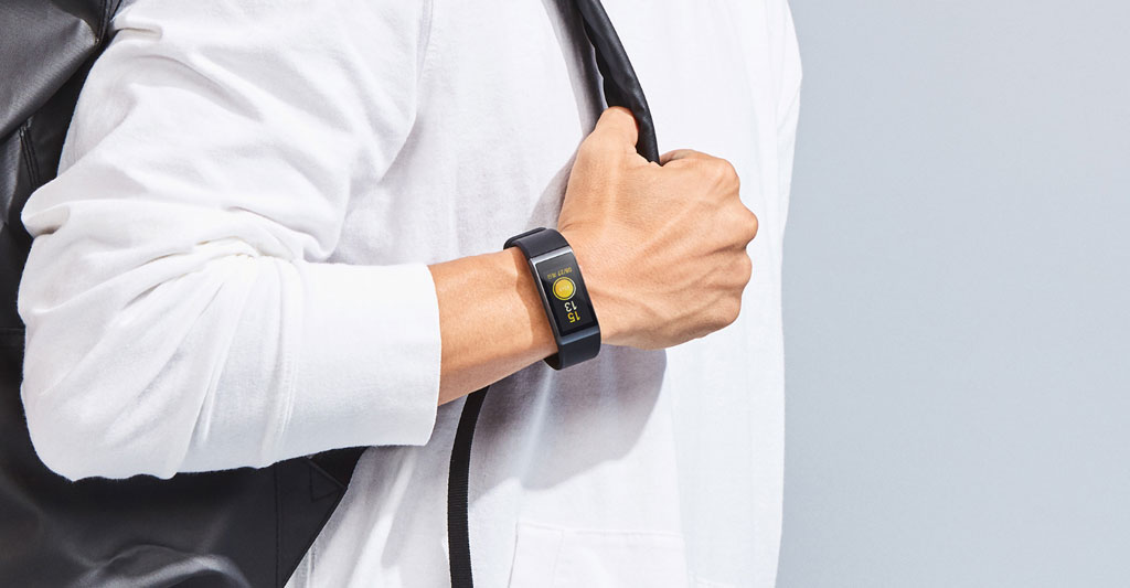 Xiaomi Amazfit Cor Health Band on the hand